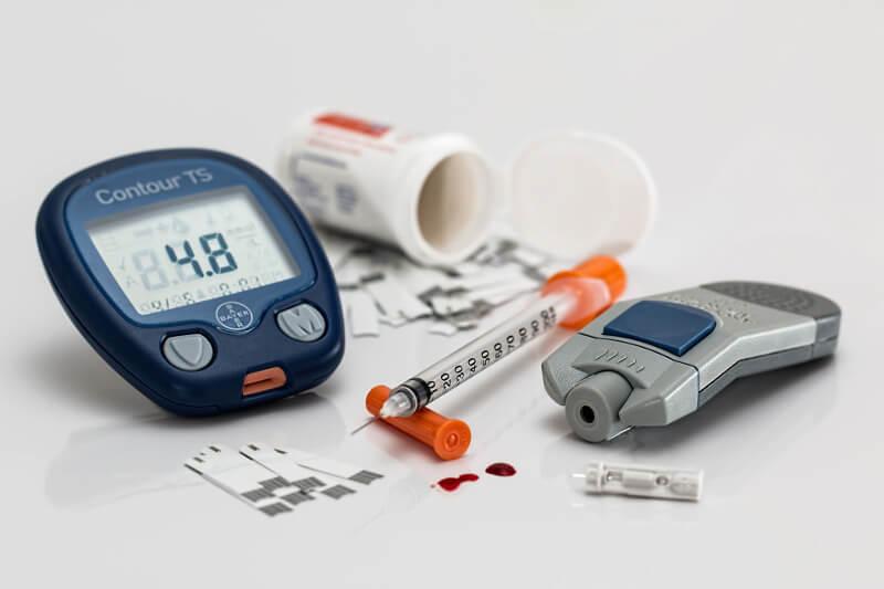 Medikamente und medizinisches Zubehör für Diabetiker